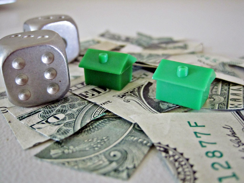 Splitting assets including house and money during divorce